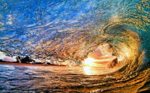 Under-the-sun-the-sea-waves-rolled_2560x1600